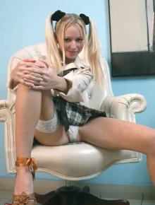 Anne takes off her panties