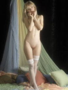 Erotic model shows herself