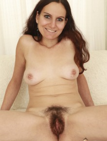 Hairy Tanja rides the evil Sybian