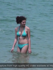 Sexy candid babes on the beach
