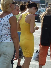 Sexy round candid asses