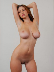 Shay Laren shows her pussy