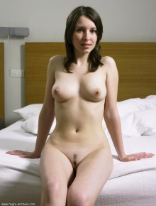 Sweet naked chick