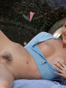 Erica Ellyson Classy Chassi